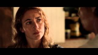 O romance se passa na década de 80 e acompanha Adele (Winslet), uma mãe divorciada e depressiva, e seu filho de 13 anos, Henry. Depois de encontrarem ...
