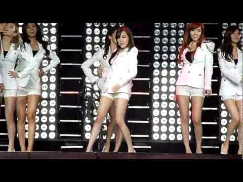 Download SMtown NYC * Girls Generation - Tell Me Your Wish (Fany rap version) HD Mp4 3GP Video and MP3