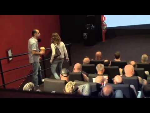 當你進入一個全是猛漢的電影院,你有膽坐下嗎?