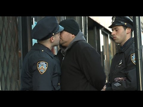 New Yorkers Do Not Like The New NYPD Stop And Kiss Policy!