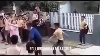 Video Tawuran antar pelajar vs emak emak MP3, 3GP, MP4, WEBM, AVI, FLV Juli 2018