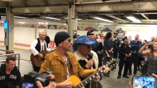 Video U2 Surprise Performance at Grand Central with Jimmy Fallon MP3, 3GP, MP4, WEBM, AVI, FLV Agustus 2018