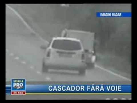 accidente en directo por camara de radar.espectacular,