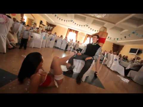 Zrobili mu wieczór kawalerski na weselu! Tak się bawi w nowoczesnym stylu…