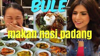 Video Padang food local INDONESIAN FAVORITE DISH / Makanan Bule SUKA BANYAK MP3, 3GP, MP4, WEBM, AVI, FLV Januari 2019