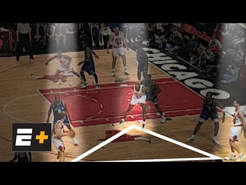 Dennis Rodman breaks down the Chicago Bulls' triangle offense | Detail on ESPN+