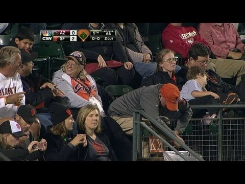 Video: Fan struggles to tape up K for Vogelsong