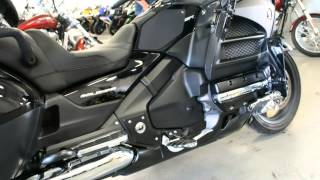 6. 2014 HONDA GOLD WING AUDIO COMFORT XM GLHPNM @ iMotorsports  A1117
