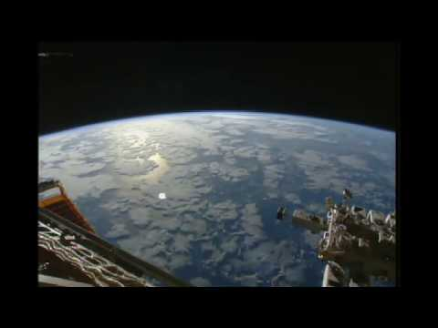 Nasa iss hd live cam glowing UFO!march 2015