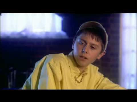 Orrible Johnny Vaughan little r bottles Noel in the pub *** Jay from the Inbetweeners **