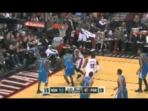Will Barton dunks on the Hornets