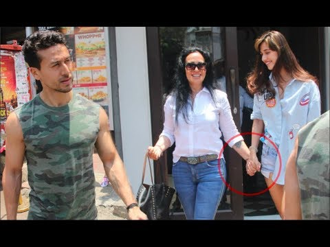 Video Disha Patani SPOTTED Bonding With Tiger Shroff's Mom Ayesha Shroff download in MP3, 3GP, MP4, WEBM, AVI, FLV January 2017