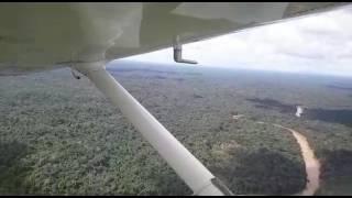 Sobrevivente filma queda do avião