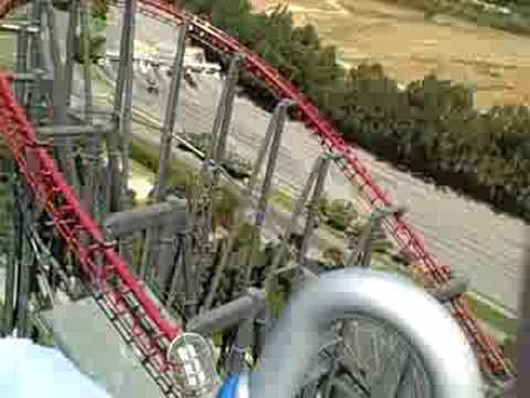 six flags magic mountain - I'm actually holding the camera pretty steady, all the crazy motion you see here is the rollercoaster. Definitely the craziest ride I've ever been on. This r...