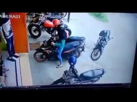 How to reverse your motorcycle?