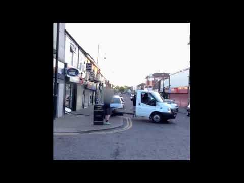 Castle Street Damage Shop Ramming (видео)