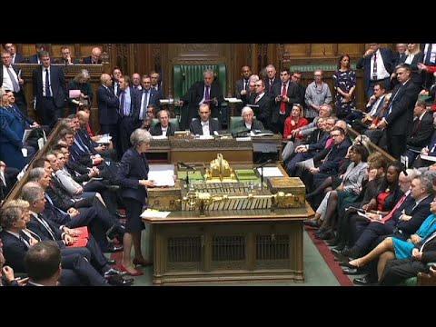 Großbritannien: Streitpunkt Nordirland - May im heimi ...