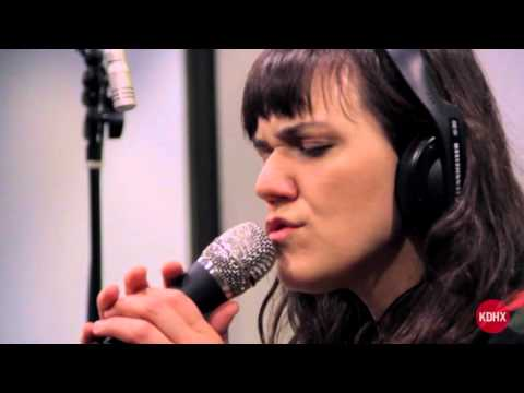 "Emily Wells ""You Dream Of China"" Live At KDHX 3/7/16"