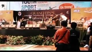 Video ZerosiX park - ampar ampar pisang fatner GHASAK BAND.flv MP3, 3GP, MP4, WEBM, AVI, FLV Maret 2018