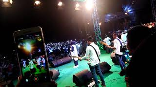 ENAK BANGET!!!!!  suara nissa sabyan nyanyiin lagu atouna el toufuli - live Bandung