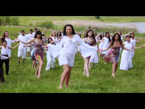 Пенчева - music and lyrics: traditional folklore; arrangement: Plamen Velinov; directed by: Nencho Kasamov; produced by DIAPASON RECORDS *** музика и текст: народни; а...