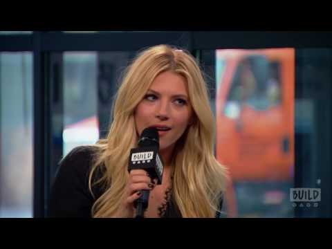 """Katheryn Winnick Stops By To Talk About """"The Dark Tower"""" & """"Vikings"""""""