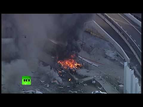 Avioni përplaset në qendrën tregtare, 5 të vdekur (Video)