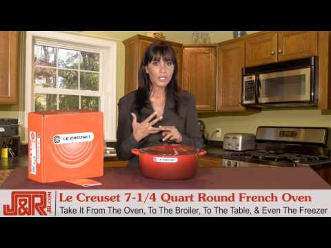 Le Creuset 7-1/4 Quart Round French Oven Covered Red