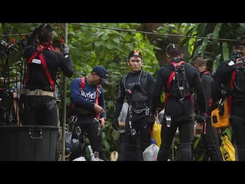 HELDEN IM HÖHLENDRAMA: Thailand feiert die Rettungsta ...
