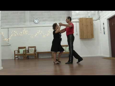 שיעור בריקודים סלוניים למתחילים - צ'ה צ'ה