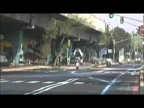 Cú bốc đầu không thành của cảnh sát giao thông