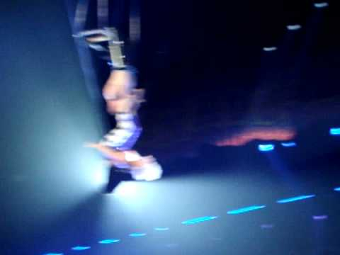 0 Pink gets acrobatic during Funhouse Tour