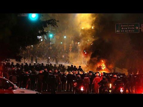 Βραζιλία: Διαδηλώσεις υπέρ και κατά της Ρούσεφ- Επεισόδια στο Σάο Πάολο