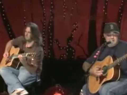 Staind - Everything Changes (acoustic Live)