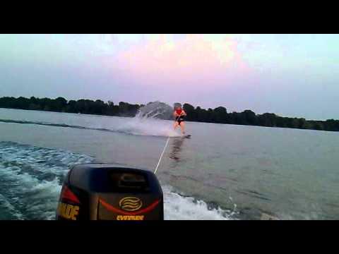 Wakeboarden mit Suzumar 310 RIB Schlauchboot,  15 PS Evinrude Motor