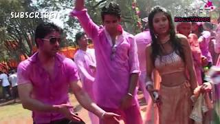 Navel Display At Holi Function