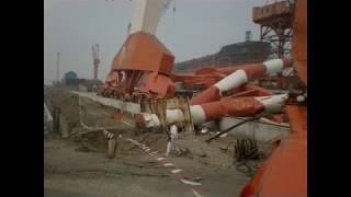 Video Overhead crane & gantry crash MP3, 3GP, MP4, WEBM, AVI, FLV Agustus 2017