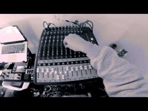 Dub Architect Hybrid Digital / Analog Dub Setup Overview & Bob Marley - Bend Down Low Live Mix