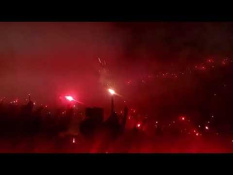 Espectacular recibimiento de la Turba Roja en la Semifinal contra Alianza - Turba Roja - Deportivo FAS