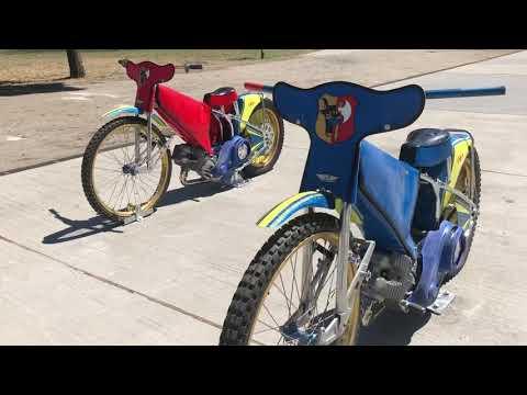 Wideo1: Motocykle wróciły przed stadion. Odwrócone!