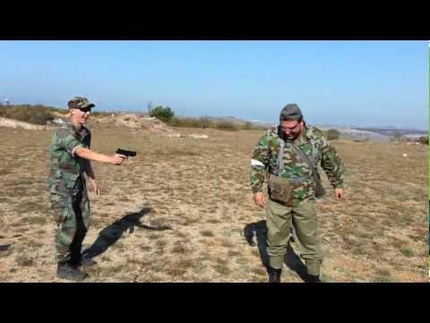 ловят солдат видео