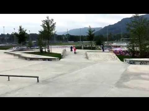 Ayano im Skatepark.