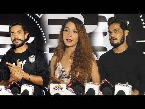 Video Suyyash Rai, Sara Khan, Niti Taylor At Barrel Musical Night | Stebin Ben, Aditi Seiya | UNCUT download in MP3, 3GP, MP4, WEBM, AVI, FLV January 2017