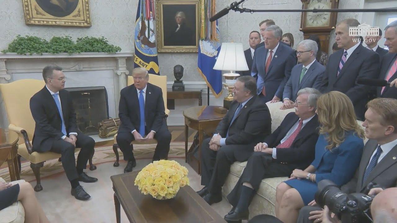 Ο Ντ. Τραμπ υποδέχθηκε στον Λευκό Οίκο τον πάστορα Μπράνσον