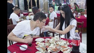 You can find all sorts of services in China unlike any other. Here are some of the strangest services that we found in China.Get tickets to the best show on earth!!! http://bit.ly/2oDDr4o★↓FOLLOW ON SOCIAL MEDIA!↓★Facebook: https://www.facebook.com/doublechenshow?fref=tsInstagram: http://instagr.am/MikexingchenTwitter: http://twitter.com/MikexingchenSnapchat: MikeychenxPeriscope: Mikexingchen~Send stuff at our PO Box!Mike Chen PO Box 610 Middletown, NY 10940--------------------------Music by Joakim Karud http://soundcloud.com/joakimkarud