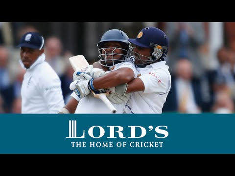 Aravinda de Silva playing the 'helicopter shot' in 2003