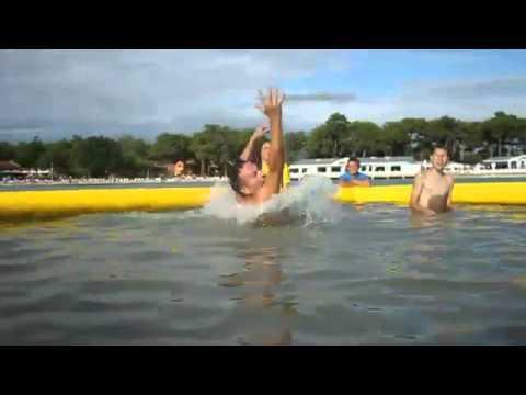 W ferie kartuska pływalnia zmienia się w wodny plac zabaw (1/2)