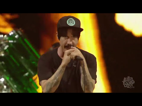 Red Hot Chili Peppers - Dani California -  Lollapalooza Chicago 2016 HD