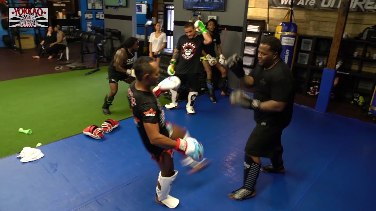 Wiz Khalifa and Taylor Gang training with Saenchai - YOKKAO Seminar at Unbreakable Performance