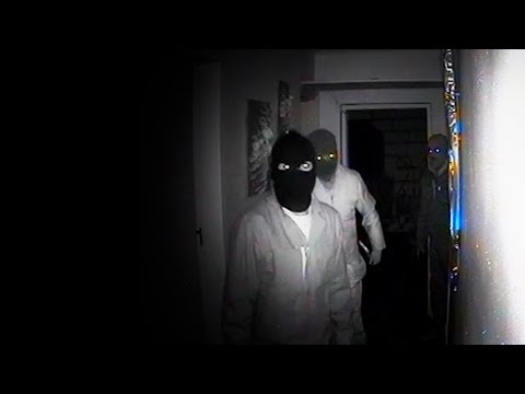 Attempted farm attack caught on security cameras.